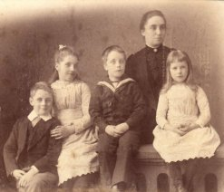Emma Louisa Holdsworth and family, ca 1891