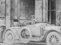 George Holdsworth's car at Netherside Hall, 1913