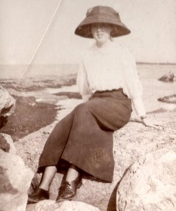 Mabel Highley at Filey 1911