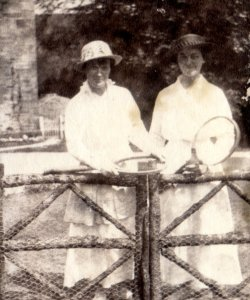 'Effie & Edith' at Netherside Hall, June 10, 1916